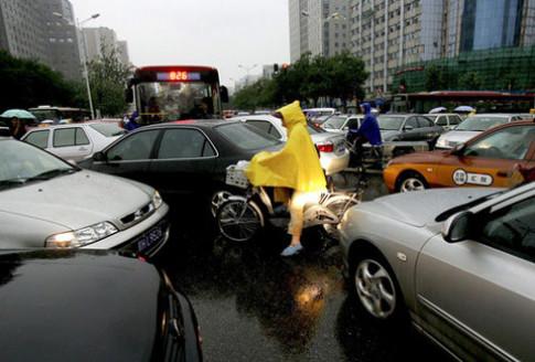 Câu hỏi 'lạ' trong bài thi lái xe ở Trung Quốc
