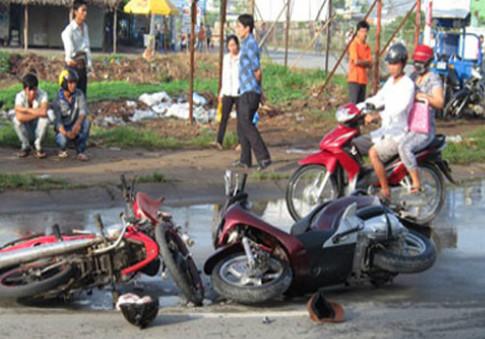 Dàn cảnh ăn vạ của cặp vợ chồng U70 với chàng trai đi Honda Sh