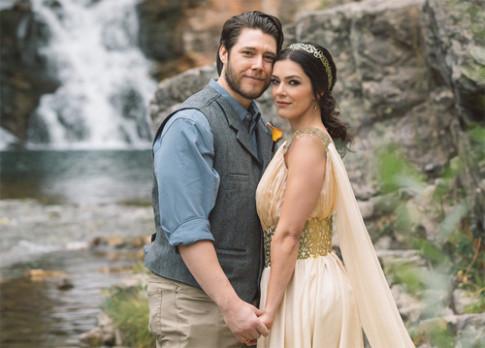 Người mẫu Playboy chụp ảnh cưới phong cách 'Game of Thrones'