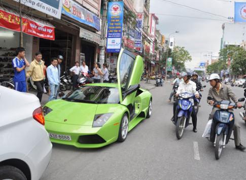 Siêu xe Lamborghini biển tứ quý tại Đà Nẵng