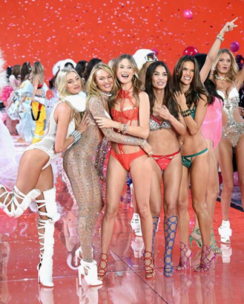 Vé xem Victoria's Secret được đấu giá từ 25.000 USD