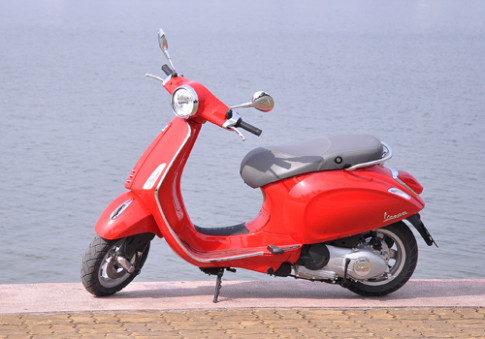 Vespa và Honda SH cuộc chiến của thương hiệu và phong cách