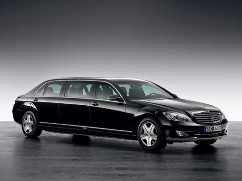 Xe kế nhiệm Maybach có giá hơn 260.000 USD