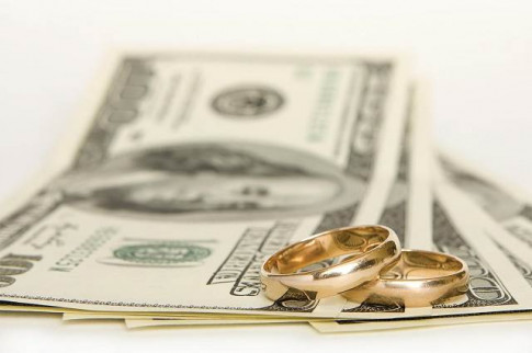 """Chạy theo đồng tiền """" lấy chồng giàu"""" liệu có sướng?"""