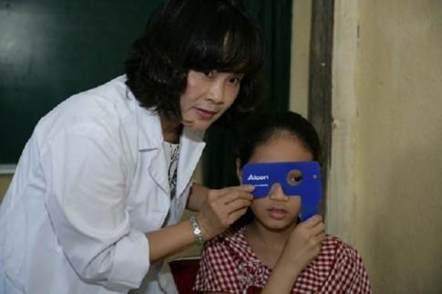 Chuyên gia chỉ cách phòng tránh tật khúc xạ tuổi học đường