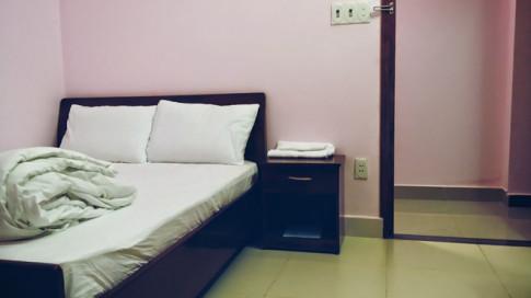 Chuyên gia tiết lộ 4 món đồ tuyệt đối không nên đụng khi ở nhà nghỉ, khách sạn: Đừng dại dùng!