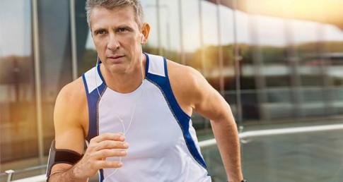 Đàn ông làm gì để vượt qua khủng hoảng tuổi trung niên