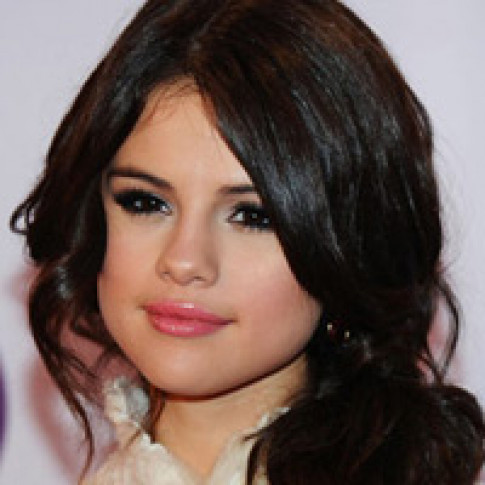 """Đây là lý do khiến Justin Bieber """"mê"""" Selena Gomez như điếu đổ"""