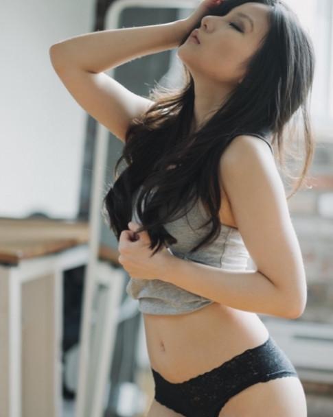 Vẻ mũm mĩm, eo bánh mỳ không làm suy giảm vẻ đẹp con gái Á châu