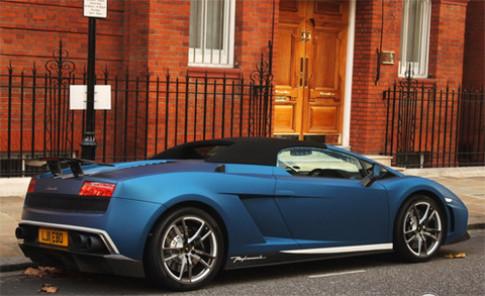 Lamborghini Gallardo màu xanh tuyệt đẹp