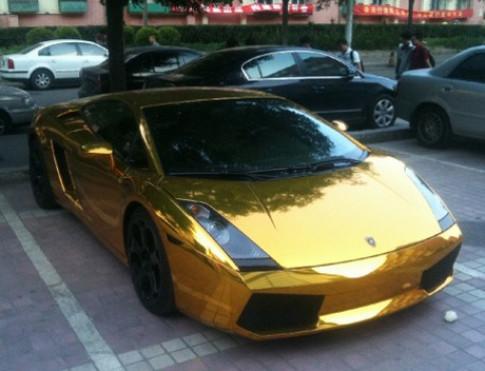 Lamborghini Gallardo sơn vàng ở Trung Quốc