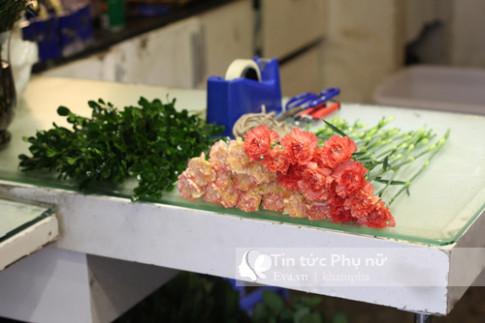 4 bước gói hoa cẩm chướng đơn giản tặng người thân yêu