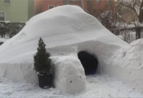 Chàng trai đắp lều tuyết và cho thuê 200 USD ở New York