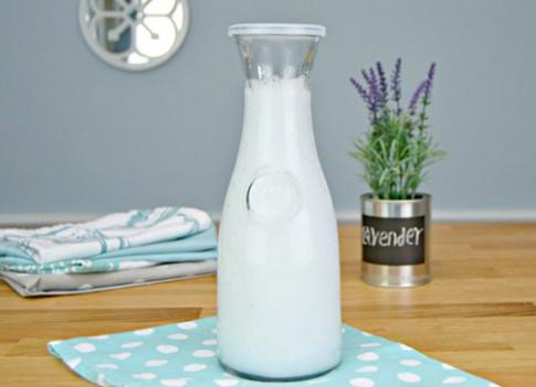 Chị em tự chế nước xả vải tại nhà với 3 nguyên liệu rẻ tiền