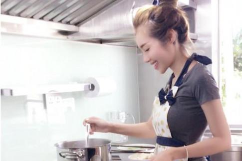 Góc bếp của 3 cô nàng nổi tiếng tưởng như không biết nấu nướng trông thế nào?