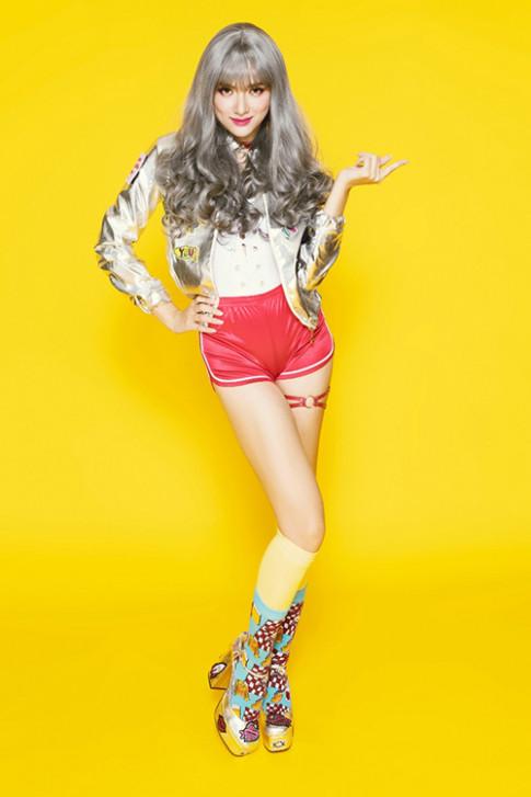 Hương Giang Idol khẳng định hình tượng 16 ở The Remix không phản cảm
