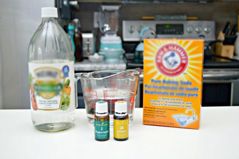 Không cần nước tẩy, 2 nguyên liệu có thể giúp lau sạch bóng sàn nhà
