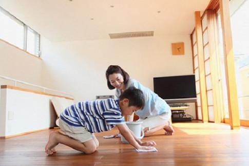 Mách nhau cách lau sàn gỗ, sàn đá hoa, sàn bê tông hay sàn đất nung đúng chuẩn