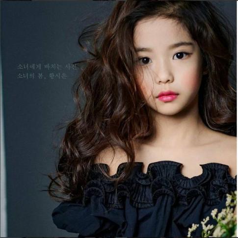 Mới 8 tuổi, cô nhóc này đã làm MXH chao đảo vì như sinh ra để làm hoa hậu