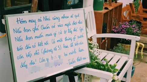 Tờ note đáng yêu của chủ quán cafe: 'Mua gì cứ tự lấy rồi để lại tiền dưới căn bếp gỗ nha!' khiến dân tình thêm mê mệt Đà Lạt
