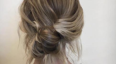 Chỉ trong 2 phút bạn sẽ có ngay kiểu đầu thời thượng che giấu hoàn hảo mái tóc bết bẩn