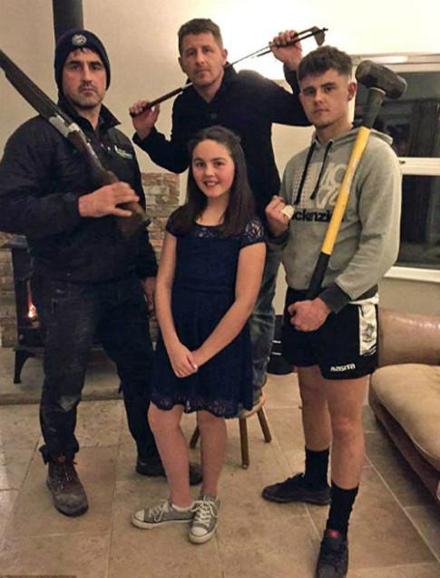 'Hài vỡ bụng' cách các bố bảo vệ con gái khi bị tán tỉnh