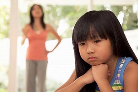 Muôn kiểu dạy con khiến trẻ càng ngày càng hư