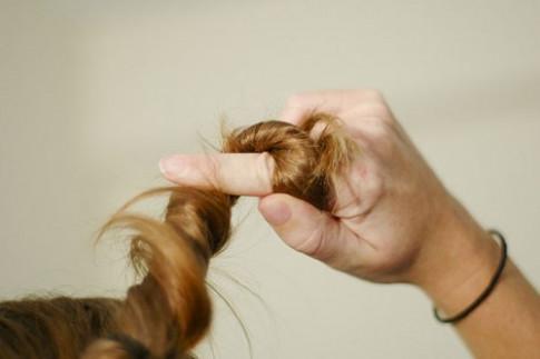 Nhúng tóc vào nước mà gặp tình trạng này là bạn đang gặp nhiều vấn đề lắm đấy