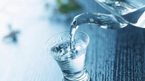 Nước đun sôi để quá 2 ngày sẽ gây hại sức khỏe