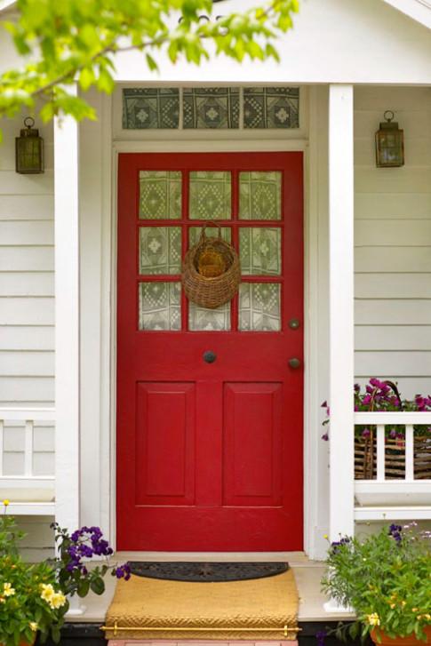 'Tai hại' 2 nhà mở cửa đối diện nhau