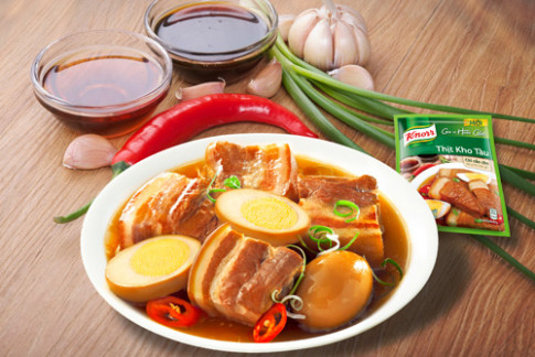 Thịt kho tàu ngày Tết: món ngon từ Nam chí Bắc.