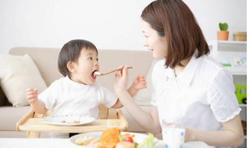 12 thực phẩm quen thuộc có thể lấy mạng trẻ nếu mẹ không biết cách