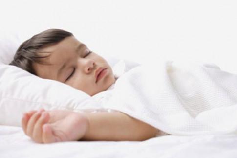 4 cách ít ai biết khiến bé sơ sinh có tỉnh táo đến mấy cũng sẽ ngủ trong tích tắc