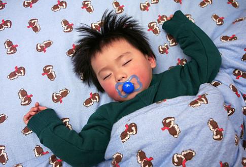 6 bí quyết giúp trẻ ngủ ngon để nhanh lớn, thông minh
