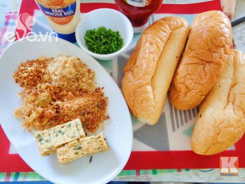 Bánh mì nướng muối ớt thần thánh ở Sài thành có cách làm như thế nào?