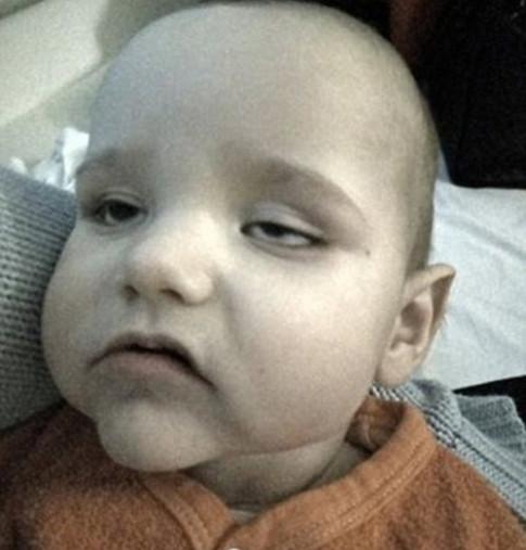Bé sơ sinh suýt mất mạng vì lây bệnh từ chiếc xe đẩy trong siêu thị