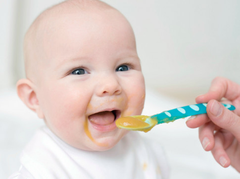 Công thức nấu sữa và cháo bí đỏ cho bé gầy tăng cân vùn vụt
