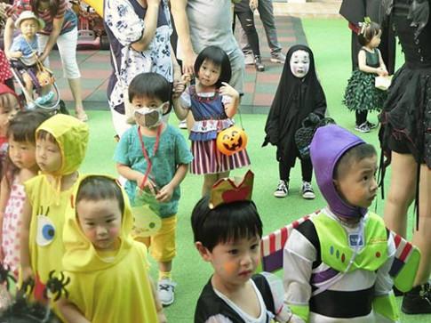 """Đây mới là cô bé có màn hoá trang Halloween """"lầy"""" nhất khối mẫu giáo năm nay"""