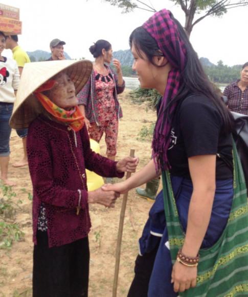 Dự định dang dở của nữ tình nguyện viên tử nạn khi giúp dân vùng lũ