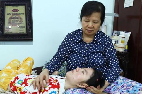 Gặp lại người mẹ được trao giải Kova vì sự hy sinh thầm lặng chăm con tật nguyền