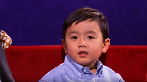 Khán giả Mỹ 'phát cuồng' với bé 4 tuổi gốc Việt đẹp trai, đàn hay