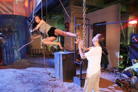 Kỷ niệm đạp vào ngực Minh Thuận trong bộ phim cuối cùng khiến Elly Trần lo sợ