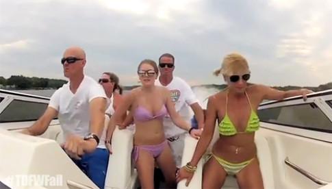 Tai nạn không ngờ với người đẹp bikini