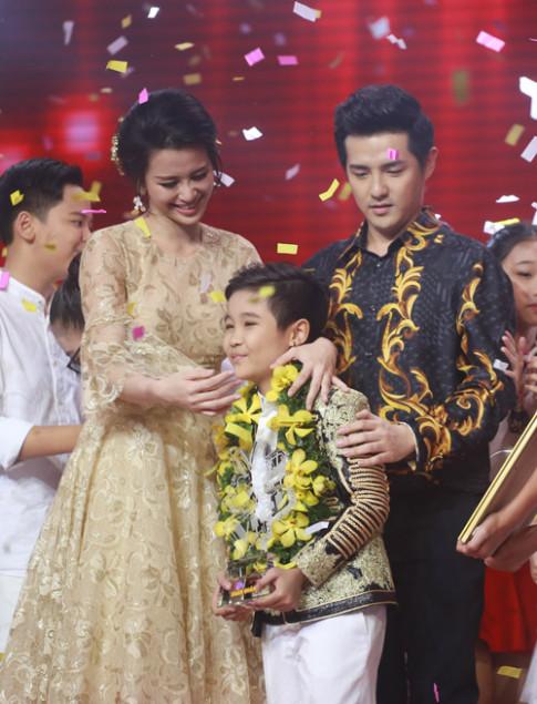 Trịnh Nhật Minh lên ngôi quán quân Giọng hát Việt nhí 2016