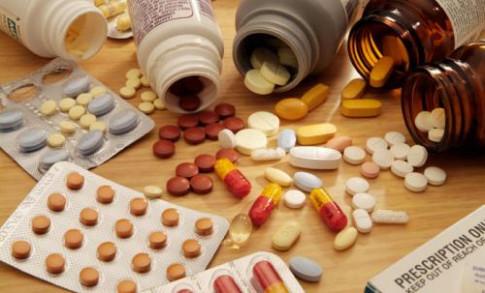 Tự ý mua kháng sinh, mẹ Việt âm thầm làm hại con