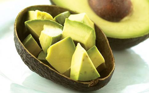 Ăn dặm với trái bơ: Kết hợp sao cho đúng để con nhận đủ giá trị dinh dưỡng?