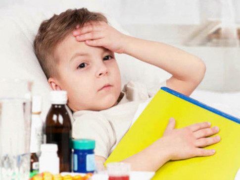 Bố mẹ hãy dừng ngay những việc này lại nếu không muốn con ốm yếu