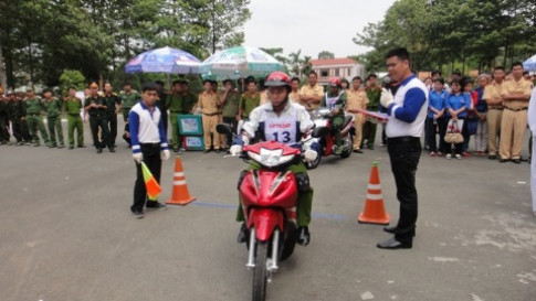 Cac chuong trinh lai xe an toan 2012 do Honda to chuc