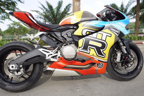 Ducati 899 Panigale ngũ sắc phiên bản GTR