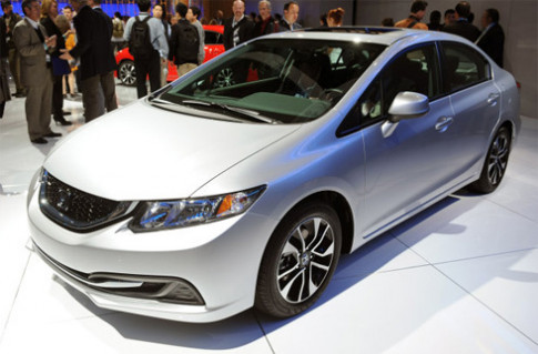 Honda Civic 2013 - thay doi de tranh chi trich